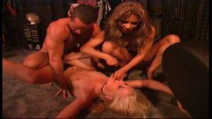 Video x Trio SM soumission Blonde au joli cul